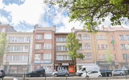 Appartementsgebouw te koop in Ganshoren
