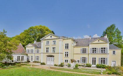 Castle for rent in Lubbeek